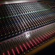 SOUNDCRAFT MH2 - 32 keverőpult